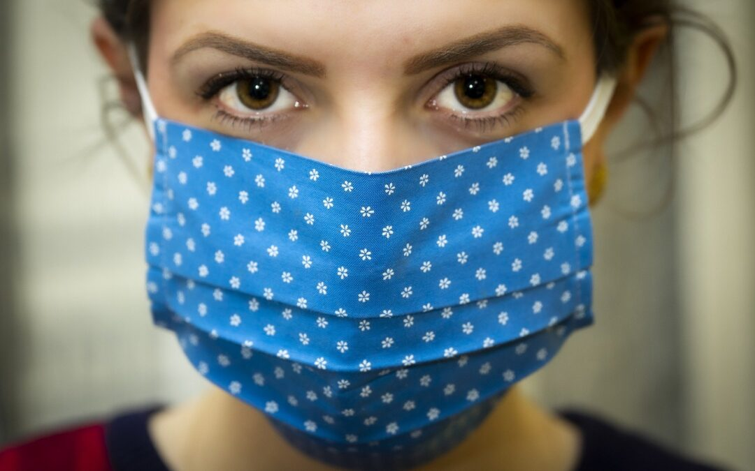 W pracy też trzeba zakrywać usta i nos